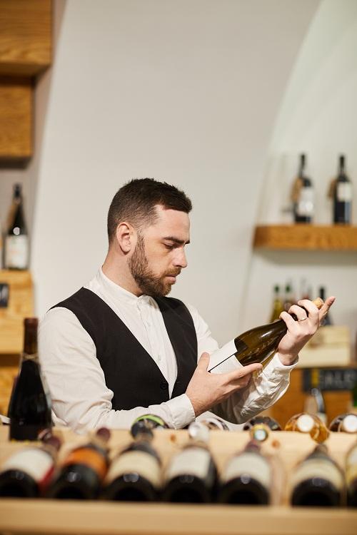 Découvrir les particularités des vins des côtes-du-rhône village